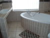 queen-elizabeth-3-en-suite-bathroom-1